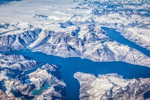 Amid historic heat, Greenland ice sheet loses 11 billion tons of water in one day of melting