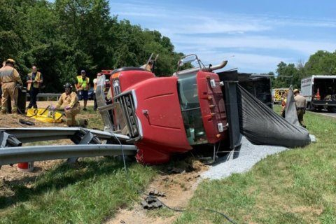 All lanes reopened but delays remain on I-270 after truck overturns