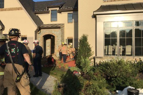 Worker freed from trench in Fairfax Co.