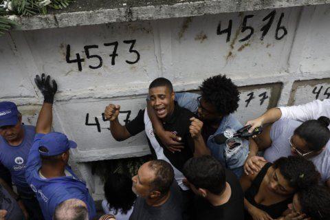 Rio family buries girl killed by stray bullet; police blamed