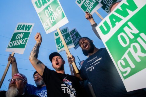 Talks carry on but no deal yet in UAW strike against GM