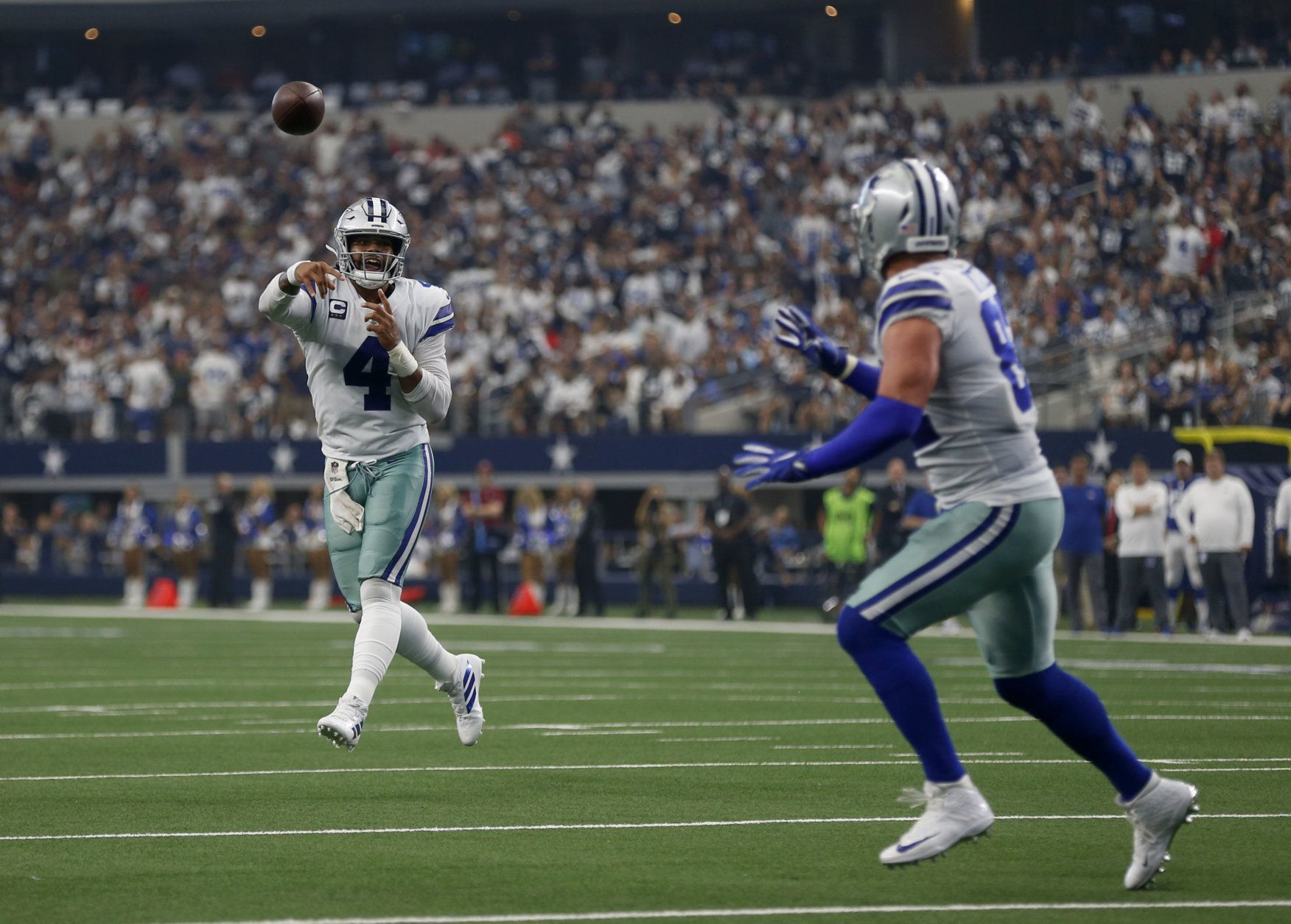 <p><b><i>Giants 17</i></b><br /> <b><i>Cowboys 35</i></b></p> <p>Zeke Elliott was just all right, but Dak Prescott looked like the guy the Cowboys should have broken bank for before the season: His 405 yard, four TD performance netted him a perfect passer rating (making this the first time in a generation two QBs have done that on the same day), leaving the Giants so thoroughly beaten they gave Daniel Jones a few reps in garbage time. The Redskins better work out whatever communication issues they have, or next week&#8217;s game at FedEx Field is already over.</p>