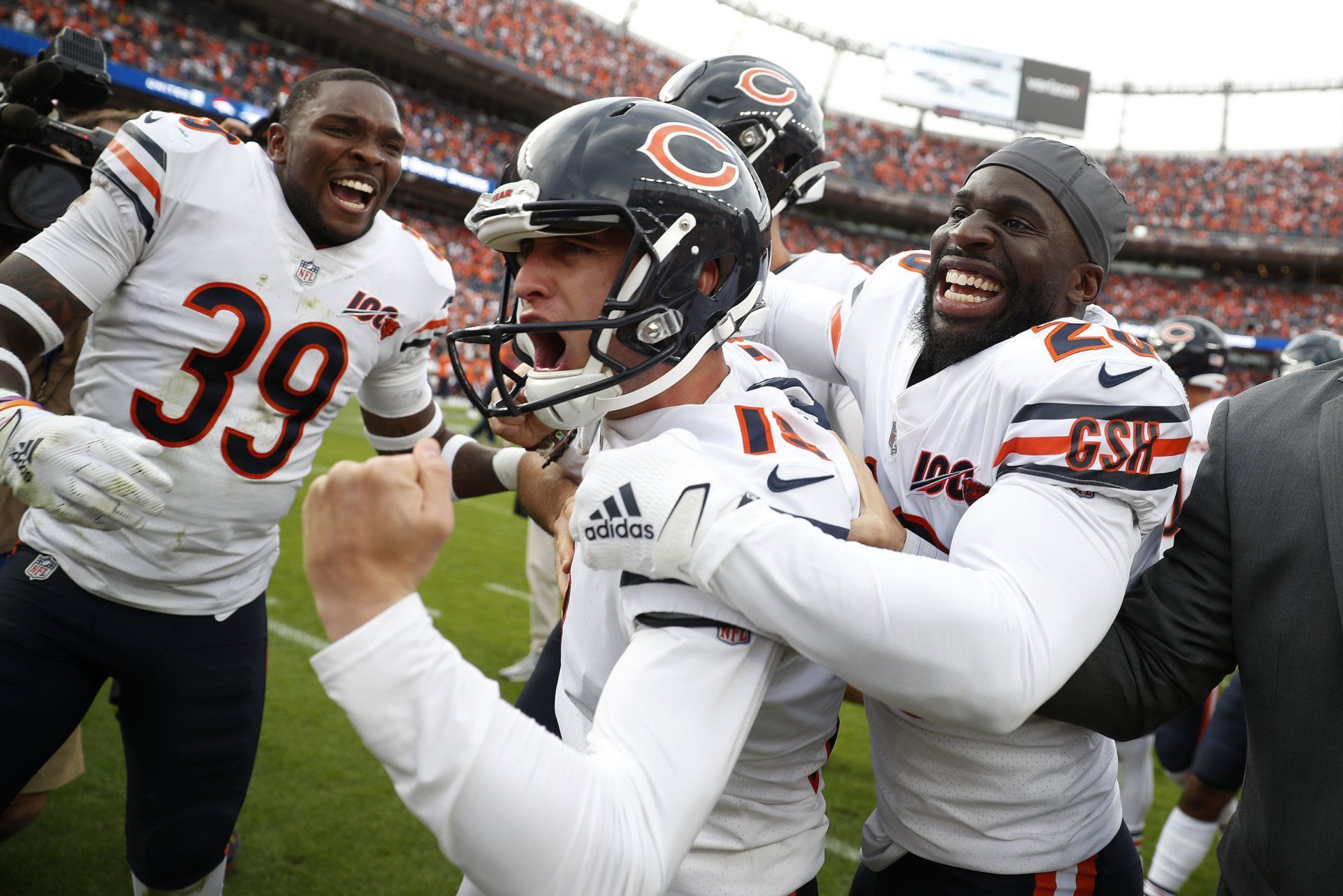 "<p><b><i>Bears 16</i></b><br /> <b><i>Broncos 14</i></b></p> <p>It was a crazy ending to the first game in which Denver&#8217;s stadium is christened with <a href=""https://www.9news.com/article/sports/nfl/denver-broncos/mike-klis/denver-broncos-stadium-new-name-empower-field-at-mile-high/73-c0671177-03a1-461a-8161-50ba7e3ac155"">a crazy new name</a>. And just like that, Chicago has a (momentarily) clutch kicker to help lift a lagging offense to 1-1 with a virtual prime time bye against the notoriously-terrible-on-MNF Redskins.</p>"