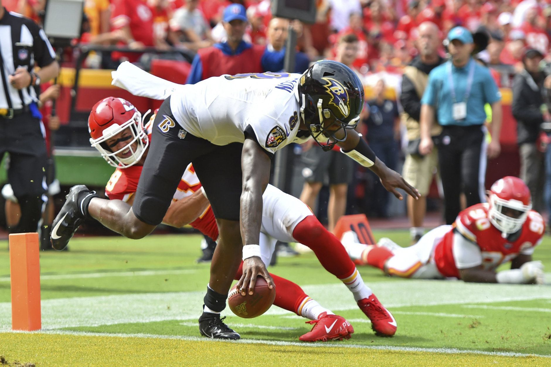 "<p><b><i>Ravens 28</i></b><br /> <b><i>Chiefs 33</i></b></p> <p>If Patrick Mahomes vs. Lamar Jackson is <a href=""https://www.espn.com/nfl/story/_/id/27659993/dc-floats-lamar-mahomes-next-peyton-brady"" target=""_blank"" rel=""noopener"" data-saferedirecturl=""https://www.google.com/url?q=https://www.espn.com/nfl/story/_/id/27659993/dc-floats-lamar-mahomes-next-peyton-brady&amp;source=gmail&amp;ust=1569294743340000&amp;usg=AFQjCNFzDQxUoQE-fmL0410QAarcgu4glA"">the next Payton Manning vs. Tom Brady</a>, it sure wasn&#8217;t on Sunday. Jackson was held in check, while Mahomes is the first player to throw for 300 yards in 13 of his first 20 career games and joins Brady as the only players with 300-yard, 3-TD and 0-INT stat lines in three straight games. Baltimore still has a ways to go before they&#8217;re on KC&#8217;s level — especially if John Harbaugh is going to undermine his own best efforts with <a href=""https://www.espn.com/nfl/story/_/id/27679227/ravens-harbaugh-defends-bold-approach-loss"" target=""_blank"" rel=""noopener"">goofy point-after strategies</a>.</p>"