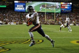 Chicago Bears wide receiver Taylor Gabriel (18) runs with his touchdown pass during the first half of an NFL football game against the Washington Redskins, Monday, Sept. 23, 2019, in Landover, Md. (AP Photo/Patrick Semansky)