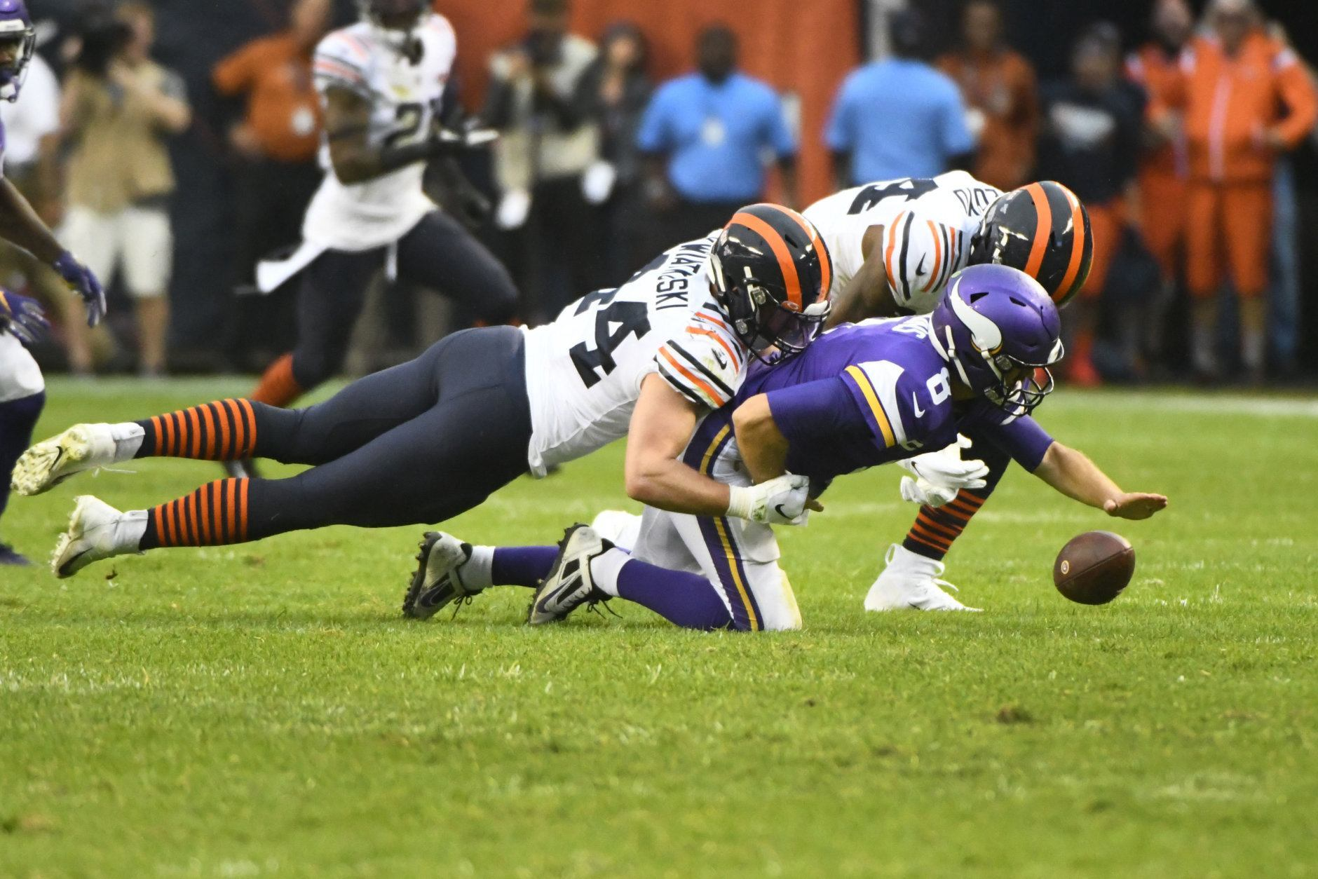 """<p><b><i>Vikings 6</i></b><br /> <b><i>Bears 16</i></b></p> <p>A week after an &#8220;<a href=""""https://chicago.suntimes.com/bears/2019/9/25/20883774/bears-matt-nagy-tarik-cohen-live-stream-nude-teammate"""">Em-bare-ass-ing</a>&#8221; blowout of the Redskins, the Bears mauled ex-Redskin Kirk Cousins for as many sacks (6) as points allowed. If Chicago ever gets anything from their QB — and Chase Daniel actually played better than the injured Mitch Trubisky has at any point this season — this is a threat to win a wide open NFC.</p>"""