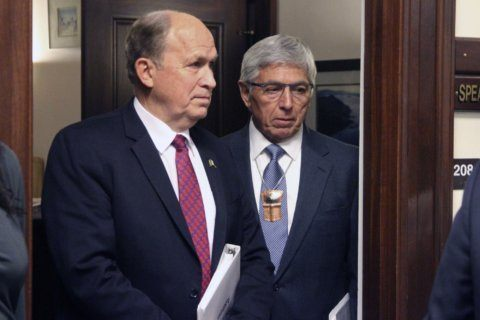 Email indicates former Alaska official invited woman to room