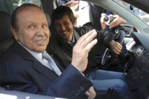 Top Algerian figures go on military trial for alleged plot