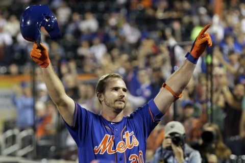 Mets' Alonso donates customized cleats to 9/11 museum