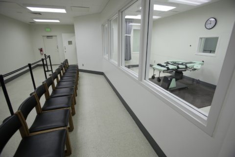 Lawsuit calls for full public view of executions in Virginia