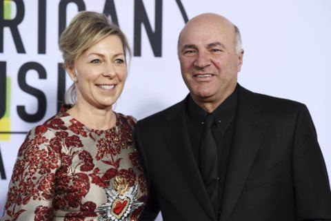 """""""Shark Tank"""" star Kevin O'Leary's wife charged in boat crash"""