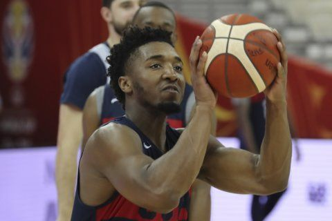 No surprise: USA tops Czechs 88-67 to open World Cup