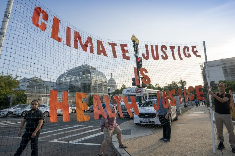 'Nothing else matters': Climate protesters block DC traffic