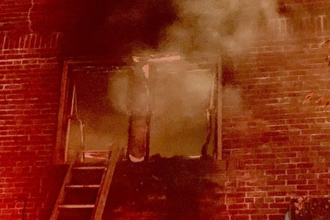 10 displaced in Northeast DC apartment fire