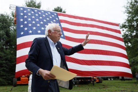 Sanders addresses Comanche event in Warren's home state