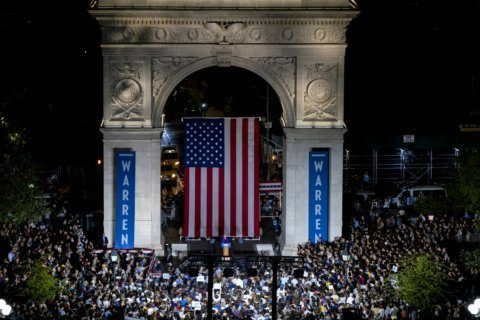 Elizabeth Warren's big crowds? She has a plan for them, too