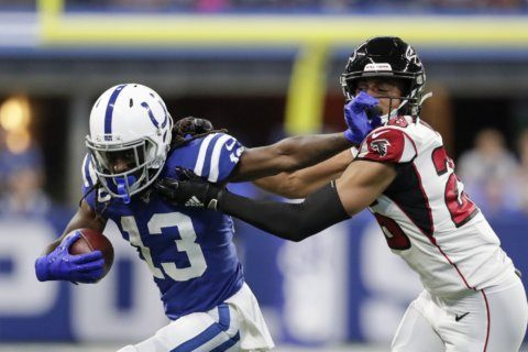 Brissett's fast start helps Colts hold off Falcons 27-24