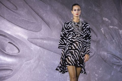 Naeem Khan launches his fashion collection at home