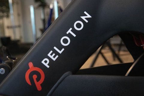 Peloton actress trades bike for cocktail in new Ryan Reynolds ad