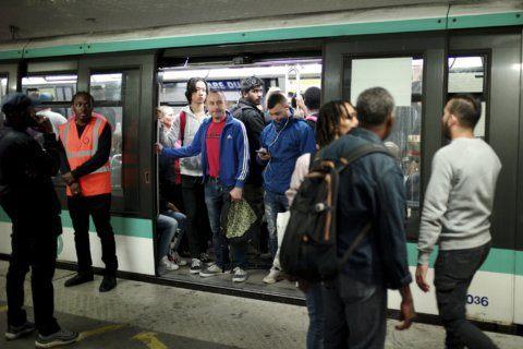 Paris sees biggest transport strike in decade over pensions