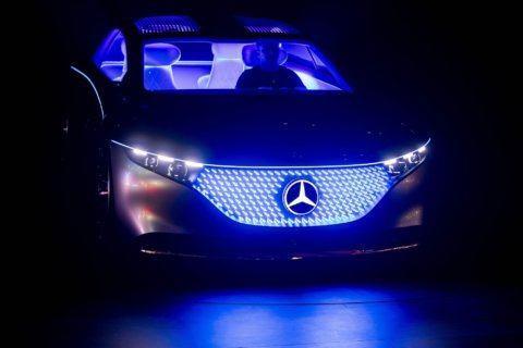 Merkel: Germany, auto industry face 'Herculean' climate task
