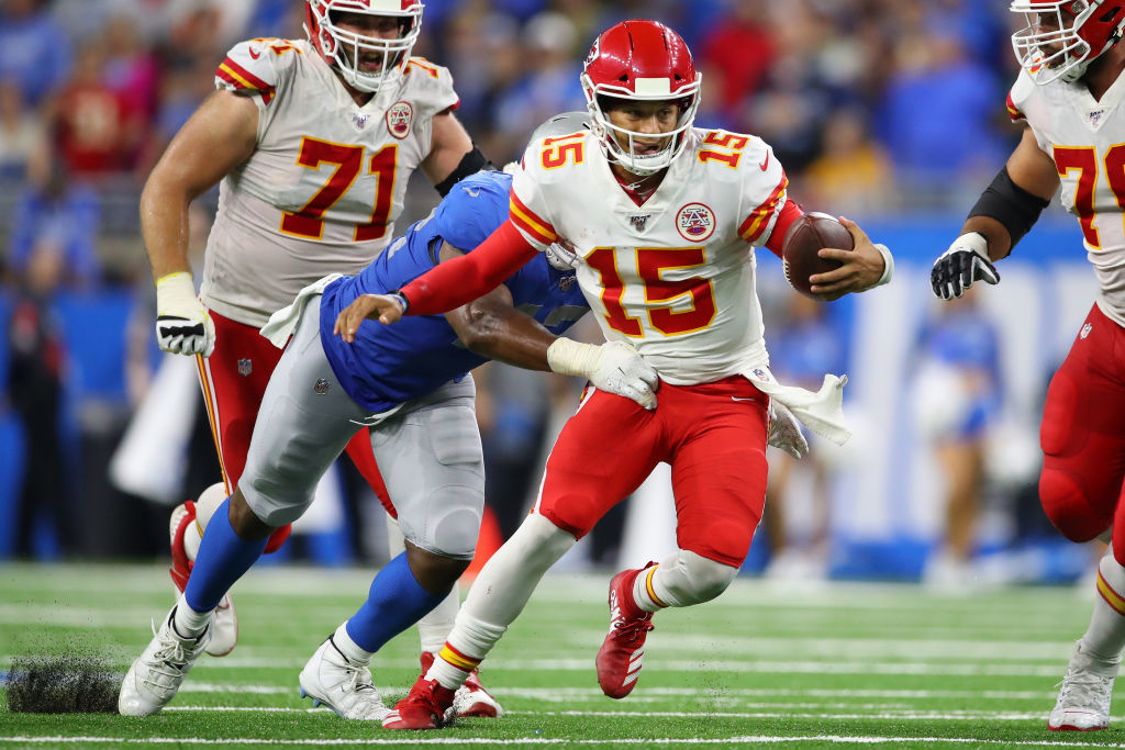 """<p><b><i>Chiefs 34</i></b><br /> <b><i>Lions 30</i></b></p> <p>Patrick Mahomes may have been held without a touchdown pass for the first time in his incredible career but he was still making ridiculous highlights (did you see <a href=""""https://twitter.com/nfl/status/1178364060645019648?s=21"""">the no-look run</a>??) to lead the Chiefs their second straight 4-0 start with three road wins — even if it wasn&#8217;t a <a href=""""https://profootballtalk.nbcsports.com/2019/09/29/andy-reid-after-sundays-win-not-all-of-mozarts-paintings-were-perfect/"""">KC masterpiece</a>.</p>"""