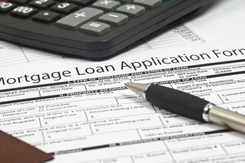 When it comes to mortgages, borrowing big is a better deal