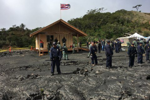 2 arrested in Hawaii near giant telescope protest site