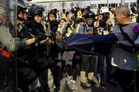 Amnesty International accuses Hong Kong police of beating, torturing protesters