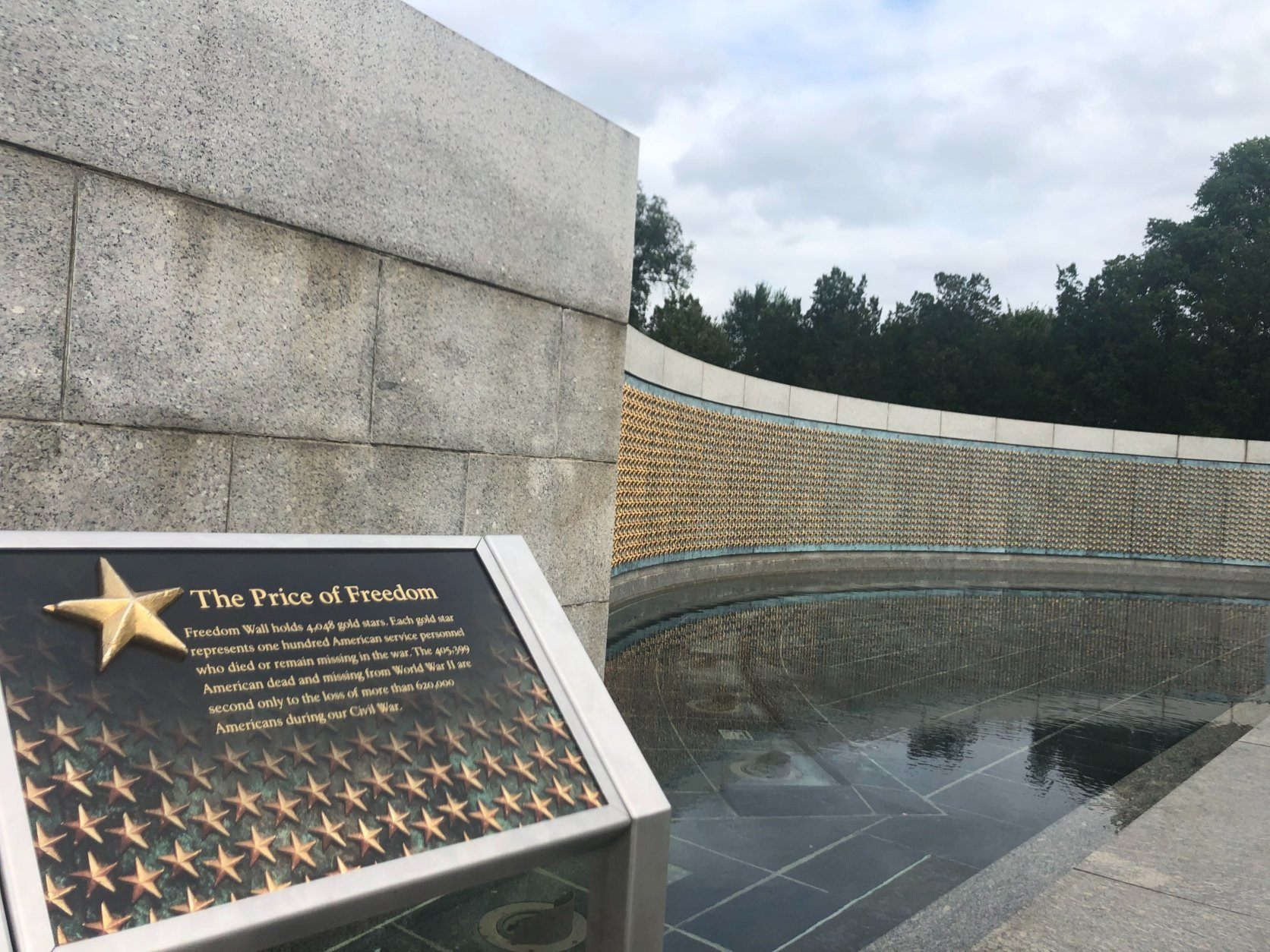 This wall at the World War II memorial represents the number of service members who died as a result of the conflict. Each of the 4,048 stars represents 100 people.