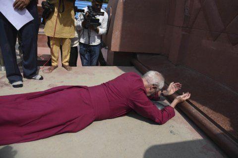 Archbishop of Canterbury apologizes for massacre in India