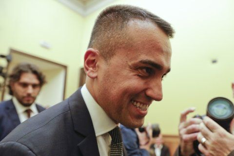 Italy: 5-Stars' activists OK deal for coalition of rivals