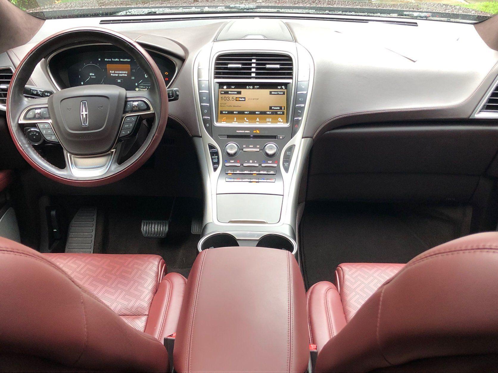 Interior, dashboard of the Lincoln Nautilus Black Label