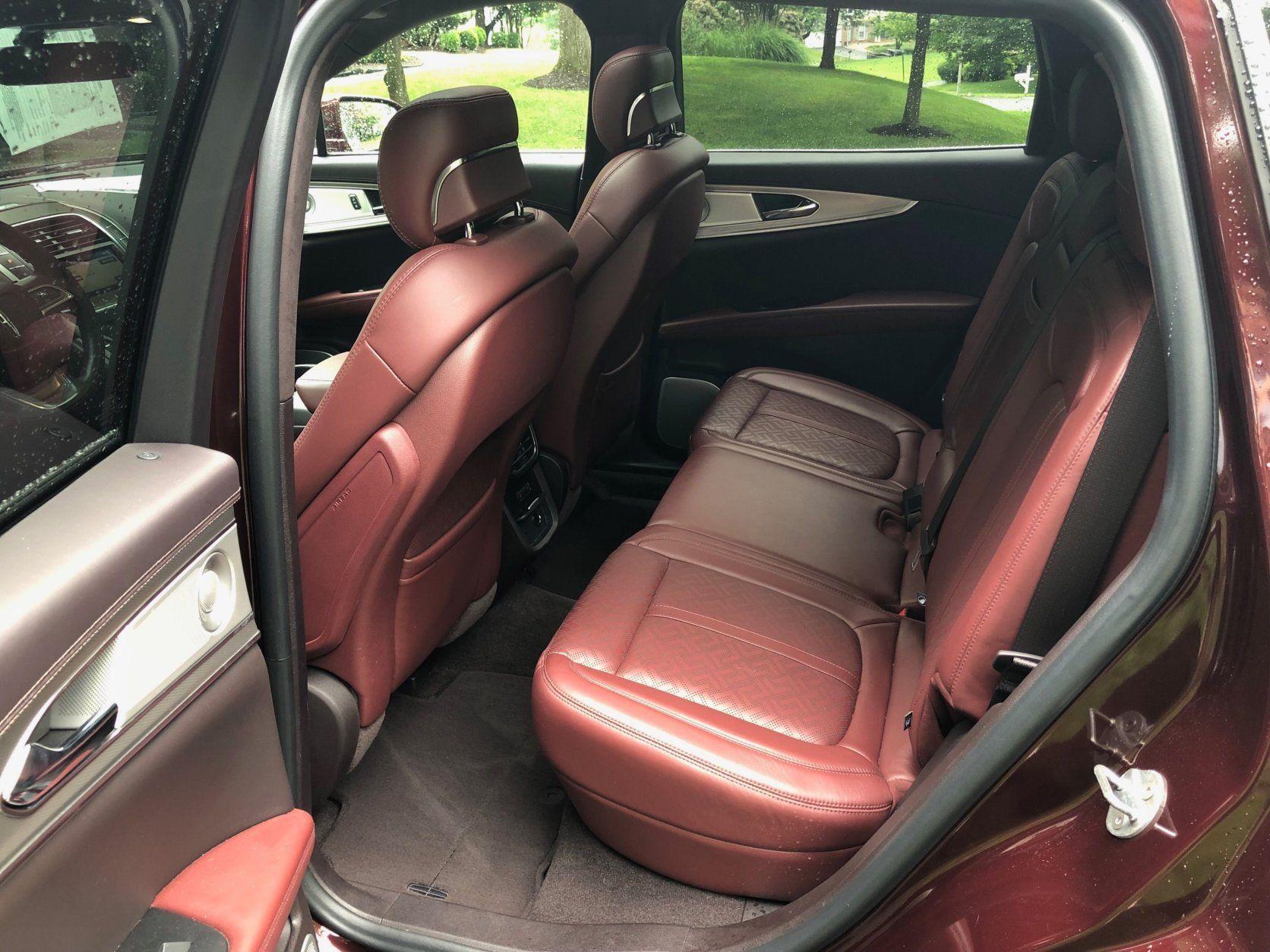 Interior back seat Lincoln Nautilus Black Label