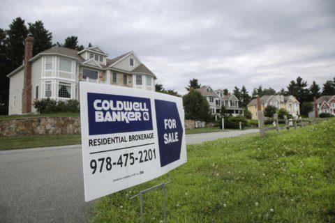 US long-term mortgage rates fall; 30-year at 3.64%