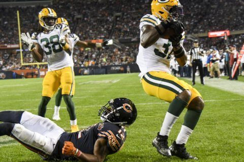 Big-time D, a bit of A-Rod enough for Packers vs. Bears