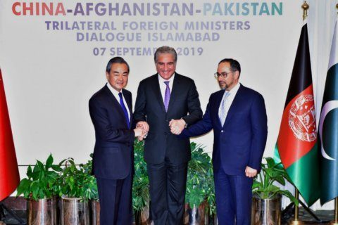 Pakistan hosts China, Afghanistan for talks on trade, peace