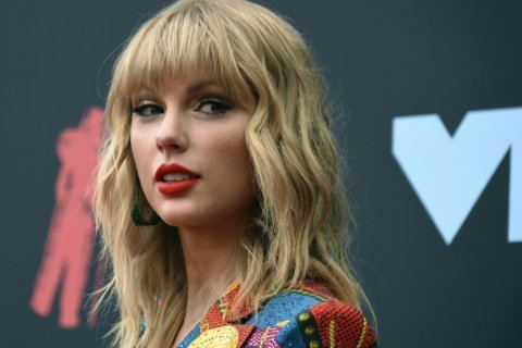 Police: Man broke into Taylor Swift's home, took off shoes