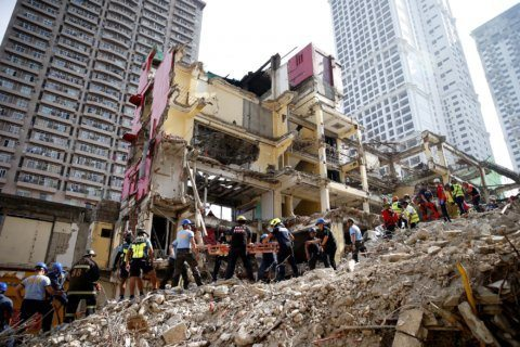 2 killed in collapse of Manila hotel being demolished