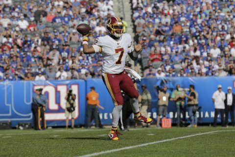Haskins makes his debut, results are the same: Redskins fall to 0-4