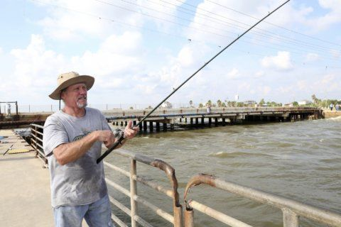 Popular Texas fishing spot Rollover Pass closing this month