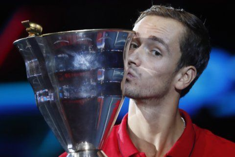Medvedev beats Coric to win St. Petersburg Open