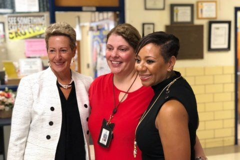Superintendent of Md. schools visits Prince George's Co. on 1st day of classes