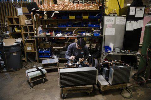Manufacturers, retailers less optimistic, survey says