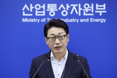 South Korea downgrades Japan trade status as dispute deepens
