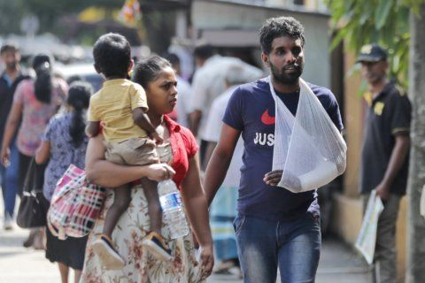 Sri Lankan doctors strike over salary 'injustice'