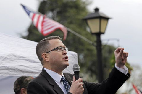 Spying claims spur calls for Washington lawmaker ouster