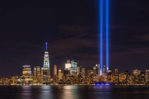 Study: New York's 9/11 'Tribute in Light' endangers 160,000 birds annually