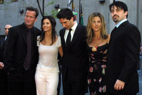 'Friends' hits big screen for 25th anniversary
