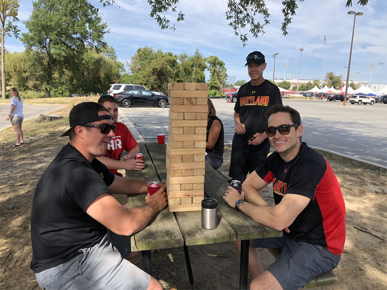Terps fans tailgate